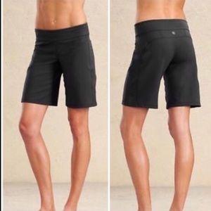 Athleta Kick Booty Bermuda Athletic Shorts